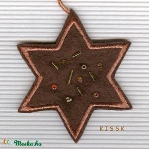 Barna-bronz gyöngyös csillag dísz, karácsonyfadísz, Otthon & Lakás, Karácsony & Mikulás, Karácsonyfadísz, Hímzés, Gyöngyfűzés, gyöngyhímzés, Saját tervezésű, egyedi hímzett filc csillagdísz, mindkét oldalán bronz fémszálas cérnával hímezve. ..., Meska