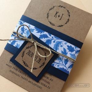 Esküvői meghívó - kraft esküvői meghívó - kék meghívó -  természetes, natúr esküvő - 10x14cm, Esküvő, Meghívó, ültetőkártya, köszönőajándék, Esküvői dekoráció, Fotó, grafika, rajz, illusztráció, Kraft papírra nyomtatott esküvői meghívó, melyet a kék kiegészítő elemek tesznek különlegessé, egyed..., Meska