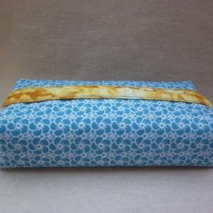 Zsebkendőtartó - kék virágos, Otthon & Lakás, Tárolás & Rendszerezés, Zsebkendőtartó, Varrás, Kétféle minőségi pamutvászon anyagból varrtam ezt a zsepi tartót. Kívül kék virágos, belől sárga pam..., Meska