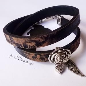 Fekete marhabőr karkötő antik ezüst színű rózsával (klarion) - Meska.hu