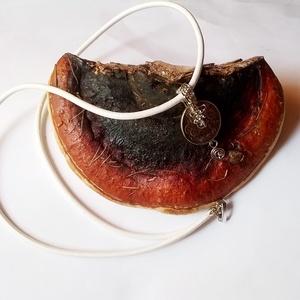 Egzotikus marhabőr nyaklánc (klarion) - Meska.hu