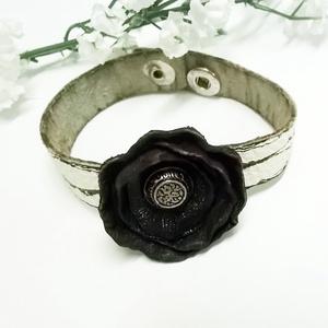 Fekete rózsa karkötő (klarion) - Meska.hu