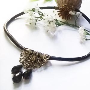 Hengerbőr nyaklánc bronz medállal (klarion) - Meska.hu