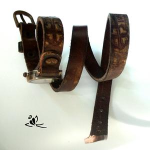 AKCIÓ!!! LOVE egyedi festésű marhabőr karkötőóra (klarion) - Meska.hu