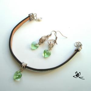 Zöld, virágos bőr karkötő fülbevalóval (klarion) - Meska.hu