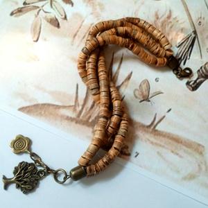 Kókuszgyöngy naturista karkötő bronz charmokkal (klarion) - Meska.hu