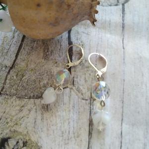 Fehér angyal fülbevaló üveg és fazettált kristály gyöngyökkel - ékszer - fülbevaló - lógó fülbevaló - Meska.hu