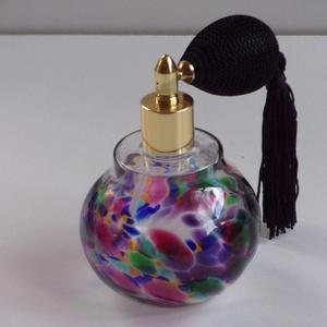 Retro parfümös üveg (tiffany), Táska, Divat & Szépség, Szépség(ápolás), Fürdőszobai kellék, Üvegművészet, Magasság : 105 mm\nÁtmérő : 70 mm\nSúly : 110 g\nŰrtartalom: 140 ml\nEz az üveg hat különböző színből ké..., Meska