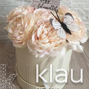 Selyemvirág box pillangóval anyák napi  - Meska.hu