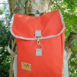 Piros hátizsák, Hátizsák, Hátizsák, Táska & Tok, Varrás, Piros sátorponyvából készült hátizsák.Belsejébe oxford bélést raktam. \nMérete:\nM:42cm\nSz:28cm\nV:15cm..., Meska