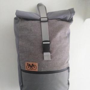 Biciklis futártáska,hátizsák, Biciklis táska, Biciklis & Sporttáska, Táska & Tok, Varrás, Kényelmes ,praktikus hátizsák nem csak kerékpározáshoz hanem minden napi használatra is.Szürke Cordu..., Meska
