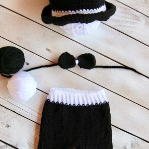 Fekete-fehér 3 részes szett, Gyerek & játék, Baba-mama kellék, Táska, Divat & Szépség, Gyerekruha, Ruha, divat, Kötés, Horgolás, Fekete nadrág cilinderrel és csokornyakkendővel újszülött fotózáshoz (0-2 hó).\n\nTermékeim mindegyike..., Meska