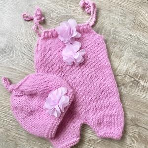 Újszülött rózsaszín body virágokkal, Táska, Divat & Szépség, Ruha, divat, Gyerekruha, Baba (0-1év), Kötés, Újszülött  kézzel kötött body virágokkal, sapkával babafotózáshoz. \n0-2 hónapos méret \nA rendelésed ..., Meska