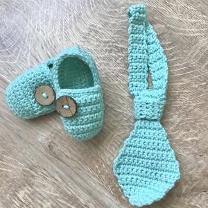 Nyakkendő és kiscipő szett, Gyerek & játék, Táska, Divat & Szépség, Ruha, divat, Gyerekruha, Baba (0-1év), Horgolás, Egyedi horgolt nyakkendő+cipő \nFotózásra, babalátogatásra, babaváró bulira kiváló ajándék lehet.\n..., Meska