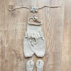 Bézs babaszett, Ruha & Divat, Babaruha & Gyerekruha, Babafotózási ruha és kellék, Bézs színű, csillogó 3 részes (bugyi, fejpánt, tutyi) babaszett újszülött fotózáshoz., Meska