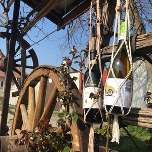 Makramé bortartó, Otthon & Lakás, Konyhafelszerelés, Bortartó, Csomózás, Ajándékozd meg szeretteidet, vagy saját magad ezzel a szuper makramé csomózással készült bortartóval..., Meska