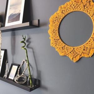 Makramé Mandala falidekor, Otthon & lakás, Dekoráció, Dísz, Lakberendezés, Asztaldísz, Képkeret, tükör, Csomózás, Makramé csomózási technikával készült ez a mustársárga fali dekoráció. De lehet használni asztali dí..., Meska