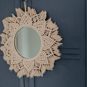 Mandala tükör, Otthon & lakás, Dekoráció, Dísz, Kép, Lakberendezés, Képkeret, tükör, Csomózás, Egyedi, csomozó makramé technikával készített mandala, tükörrel a közepén. Legyen csodás dísze a lak..., Meska