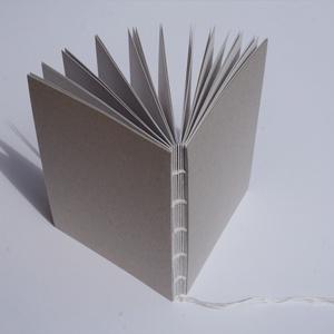 Minimalista notesz, nyitott gerinccel, Otthon & lakás, Naptár, képeslap, album, Jegyzetfüzet, napló, Könyvkötés, Varrás, A természetes alapanyagok, a letisztult stílus, valamint a részletek és a finom munkák kedvelőjeként..., Meska