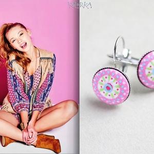 Mandala - Franciakapcsos fülbevaló - Rózsaszín, Lógós fülbevaló, Fülbevaló, Ékszer, Ékszerkészítés, Mindenmás, Az igazán színes, vagány darabok kedvelőinek ajánlom ezt az üde fülbevalót. A stilizált mandala mint..., Meska