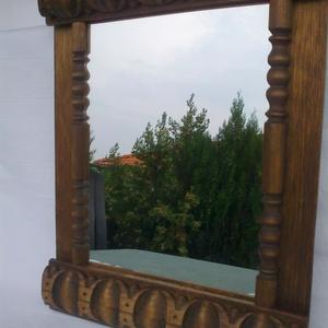 tükör, Otthon & lakás, Lakberendezés, Dekoráció, Képkeret, tükör, Famegmunkálás, Úgynevezett ökörszem motívummal  diszített tükör.Anyaga bükkfa,amit tölgyfapáccal szineztem,majd gy..., Meska