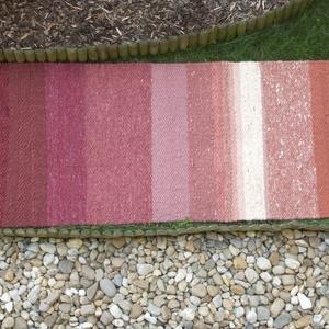 Vörös Rózsa - Nagyon vastag, meleg és puha ványolt gyapjú szőnyeg  (komodorka) - Meska.hu