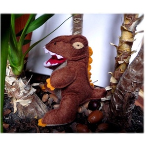 Tyrannosaurus - T-rex gyapjúfilcből, Más figura, Plüssállat & Játékfigura, Játék & Gyerek, Varrás, Hímzés, Gyapjúfilc felhasználásával teljes egészében kézzel készült ez a kedves dinoszaurusz.  :) \nTömőanyag..., Meska