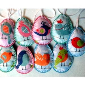 Madárkás húsvéti  tojások , Otthon & Lakás, Dekoráció, Varrás, Hímzés, Egészében kézzel varrtam aprólékos munkával ezeket madárkás tojásokat. Gyapjúfilcből készültek  és t..., Meska