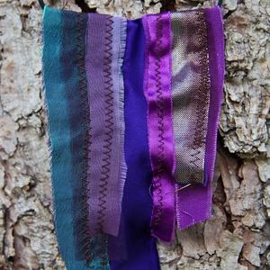Textil nyaklánc-medál - lila                        , Ékszer, Nyaklánc, Medálos nyaklánc, Ékszerkészítés, Varrás, Meska