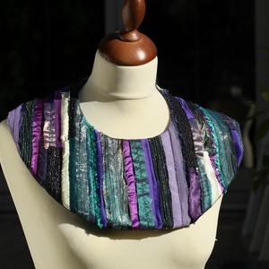 Textil nyakék - gallér (türkiz-lila-zöld), Ékszer, Nyaklánc, Nyakpánt, gallér, Varrás, Ékszerkészítés, Meska