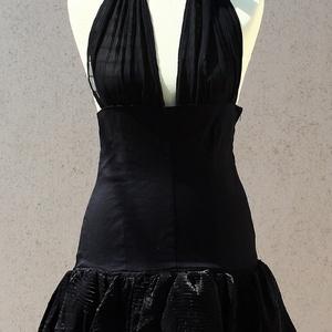 Fekete nyakbakötős ruha - Meska.hu