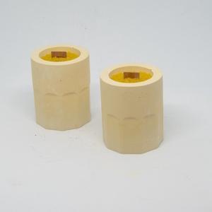 Méhviasz gyertya design beton tartóban, Otthon & Lakás, Dekoráció, Gyertya & Gyertyatartó, Gyertya-, mécseskészítés, Egyedi készítésű kerek beton méhviasz mécses fakanóccal\n\n100% méhviasz\n\nA beton tartó magassága: 6 c..., Meska