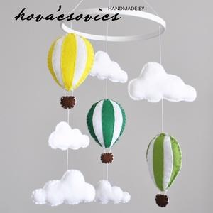 Hőlégballonos kiságyforgó/Babaforgó - Sárga/Halványzöld/Sötétzöld, Gyerek & játék, Gyerekszoba, Mobildísz, függődísz, Varrás, Hőlégballon kiságyforgó \nEgyedi, kézzel készített kiságyforgó\n\nAz első dolog, amit a gyermeked felke..., Meska
