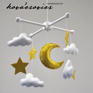 CSILLAGOS ÉJ kiságyforgó - ARANY hold, csillagok, fehér felhőkkel - játék & gyerek - 3 éves kor alattiaknak - kiságyforgó - Meska.hu