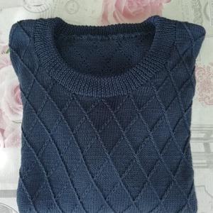 Kézzel kötött férfi gyapjú pulóver , Pulóver, Férfi ruha, Ruha & Divat, Kötés, Kézi kötéssel készült, igen aprólékos mintával, merino gyapjú, finom puha bújós pulóver.\nXL méret. B..., Meska