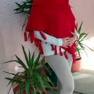 Meggy piros poncsó, Poncsó, Női ruha, Ruha & Divat, Kötés, Meggy piros poncsó barátnőm kérésére készült. L méret. Kérésedre más színben és méretben is elkészít..., Meska