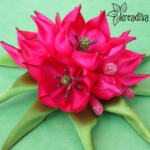 Rózsaszín-pink tulipáncsokor virág hajdísz levelekkel, Táska, Divat & Szépség, Hajbavaló, Ruha, divat, Ékszer, Kitűző, bross, Ékszerkészítés, Mindenmás, Varázslatos rózsaszín-pink tulipáncsokor virág hajdísz levelekkel, saját készítésű csillogó termővel..., Meska