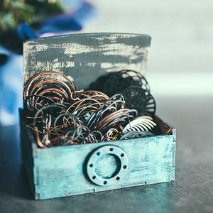 Steampunk ékszertartó doboz, Ékszer, Ékszertartó, Ékszerdoboz, Famegmunkálás, Egyedi készítésű, kézzel festett fa ékszertartó doboz. \n12,5x9 cm., Meska