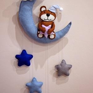 Baba függődísz, Gyerek & játék, Gyerekszoba, Mobildísz, függődísz, Egyedi baba függődísz, mely alatt az alvás is jobban megy. :) A hold mérete kb. 25 cm, egyben kb. 50..., Meska