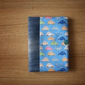 Kék kisautós egészségügyi kiskönyv, Gyerek & játék, Baba-mama kellék, A borító puha vékony vatelinnel bélelt, így extra védelmet ad a kiskönyvnek. Gumiszalaggal zárható. ..., Meska
