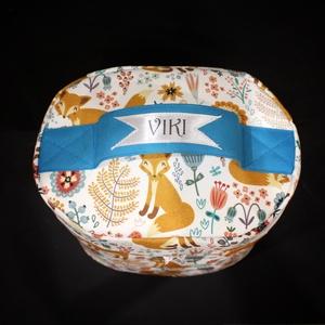 Rókás kozmetikai táska - Viki felirattal, Táska & Tok, Neszesszer, Varrás, A kozmetikai táska méretei: 23 cm magas, hogy a hajlakk is beleférjen ;) , 23 cm széles, 16 cm mély...., Meska