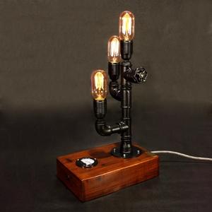 Fekete színű fényerőszabályzós, voltmérős steampunk asztali hangulatlámpa vízvezeték csövekből, Otthon, lakberendezés, Lámpa, Asztali lámpa, Hangulatlámpa, Fémmegmunkálás, Famegmunkálás, A lámpa érdekessége, hogy ha teljesen feltekered a fényerőszabályzót használhatod olvasáshoz. Egy c..., Meska