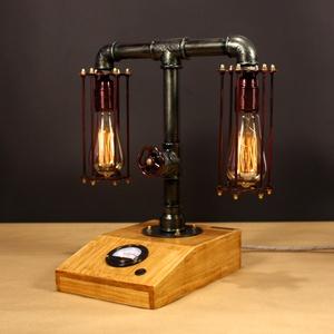 Balance, fényerőszabályzós, voltmérős,  2 izzós asztali csőlámpa., Lakberendezés, Otthon & lakás, Lámpa, Férfiaknak, Steampunk ajándékok, Fémmegmunkálás, Famegmunkálás, A lámpa érdekessége, hogy ha teljesen feltekered a fényerőszabályzót használhatod olvasáshoz. Egy cs..., Meska