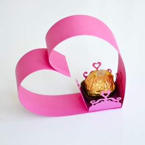 Köszönetajándék csokoládé doboz tartó esküvő évforduló születésnap lánybúcsú eljegyzés rózsaszín arany szív, Köszönőajándék, Emlék & Ajándék, Esküvő, Papírművészet, Érdekes megoldású köszönetajándék, asztaldísz esküvőre, lánybúcsúra, születésnapra vagy évfordulóra...., Meska