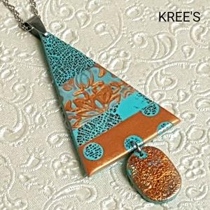 Türkiz-bronz csillogás ékszergyurma nyaklánc, Ékszer, Nyaklánc, Medálos nyaklánc, Ékszerkészítés, Gyurma, Ékszergyurmából készítettem a medált, (a minta nem festett), aminek egy részét füstfóliával díszítet..., Meska