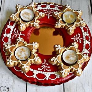 Arany csillámos mézeskalács koszorú, Otthon & Lakás, Dekoráció, Gyertya & Gyertyatartó, Mézeskalácssütés, Kör alakú mézeskalács adventi koszorú, arany-piros színekben, fehér mázzal és csillámporral díszítve..., Meska