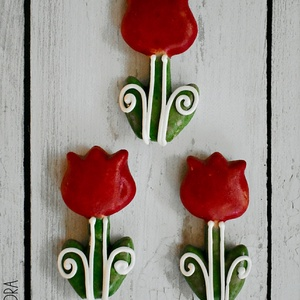 Mézeskalács mini tulipán, Méz & Propolisz, Élelmiszer, Mézeskalácssütés, Díszített kis tulipán mézeskalácsból. \nAz ár 1 darabra vonatkozik!\n\nTulajdonságok:\n-Kézzel készült, ..., Meska