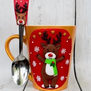 Rénszarvasos karácsonyi süthető gyurma bögre, Otthon & Lakás, Konyhafelszerelés, Bögre & Csésze, Gyurma, Kézzel formázott karácsonyi mintával díszített arany bögre, hozzáillő kanállal szettben. A bögre űrt..., Meska