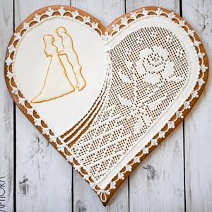 Nagy mézeskalács esküvői szív, Esküvő, Emlék & Ajándék, Nászajándék, Mézeskalácssütés, Nagy mézeskalács szív esküvői figurával és keresztszemes hímzés díszítéssel. A szív bal oldalára röv..., Meska