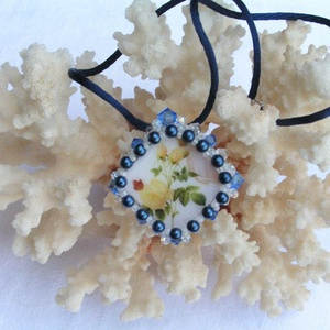 Lady in blue gyöngyfűzött nyaklánc swarovskival, Ékszer, Nyaklánc, Gyöngyös nyaklác, Ékszerkészítés, Gyöngyfűzés, gyöngyhímzés, Meska